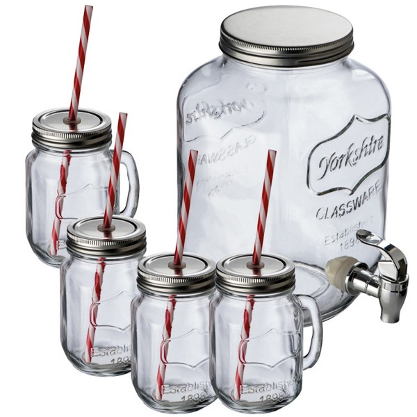 Getränkespender mit Gläsern